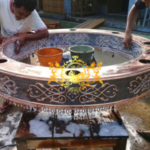 Produksi kerajinan logam lampu tembaga